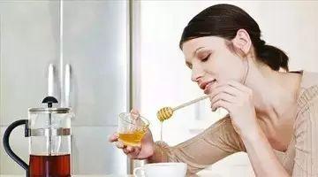 冬季,天再冷,请不要用开水冲蜂蜜