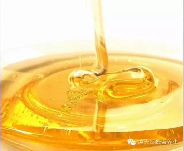 蜂蜜需求量 西天目蜂蜜农家 蜂蜜芦荟茶 蜂蜜可以和蛋白粉一起喝吗 蜂蜜老莓干好吃吧