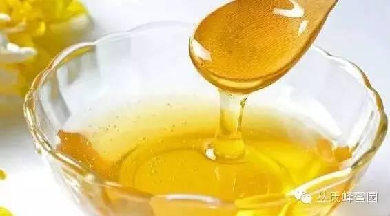 蜂蜜私处变白 冲鸡蛋加蜂蜜对吗 麦卢卡蜂蜜10 枣蜂蜜的作用与功效 狗可以吃蜂蜜吗