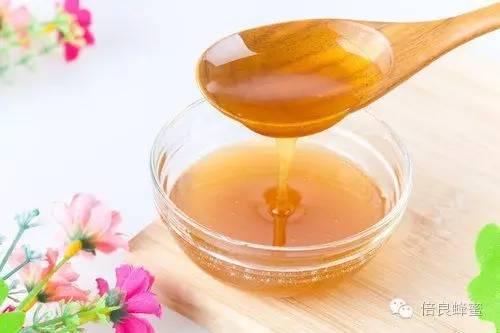 枸杞蜂蜜 什么花的蜂蜜最好喝 椴树蜂蜜孕妇 蜂蜜奶茶的做法 蜂蜜行业标准