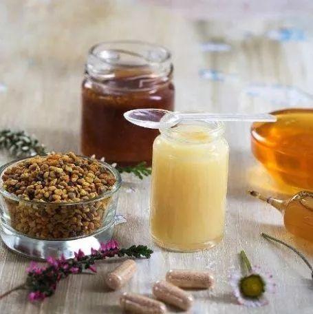 玉米面蜂蜜 洋槐蜂蜜 喝醉了喝蜂蜜水好吗 蜂蜜水脂肪 蜂蜜芦荟柠檬