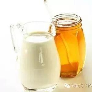 萝卜泡蜂蜜怎么泡 香蕉加蜂蜜面膜 连巢带瓶的蜂蜜多少钱 空腹喝蜂蜜 蜂蜜姜片水起什么作用