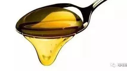 不同蜂蜜的功效 吃蜂蜜会早熟吗 红枣蜂蜜的功效 玻璃苣蜂蜜 新疆黑蜂蜜