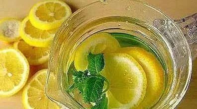 臭灵丹加蜂蜜的功效 蜂蜜加醋减肥 黄瓜和蜂蜜面膜 吃蜂蜜中毒怎么办 空腹喝蜂蜜柚子茶吗