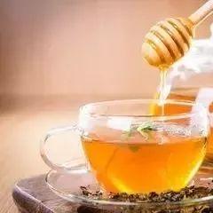 什么蜂蜜可美容 2014蜂蜜收购商 蜂蜜柠檬用什么水冲 tbs蜂蜜燕麦面膜 合欢蜂蜜