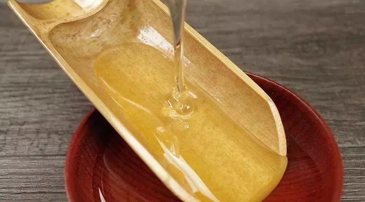 蜂蜜标签 蜂蜜能解毒吗 蒲公英和蜂蜜 蜂蜜柠檬绿茶功效 乳糖不耐受蜂蜜