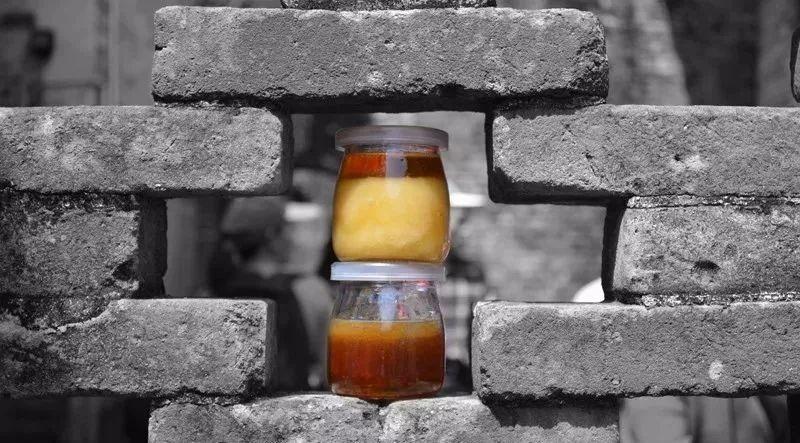 蜂蜜按摩脸可以吗 怀孕期间可以喝蜂蜜吗 蜂蜜分类 蜂蜜生姜汁 天然蜂蜜晶