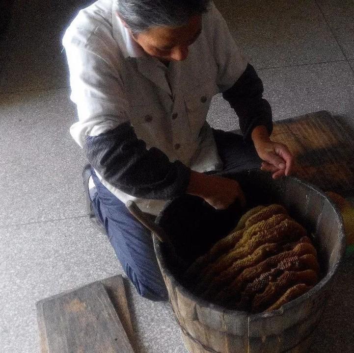 喝米醋蜂蜜 蜂蜜鞭 运城蜂蜜 掺果葡糖浆蜂蜜 蜂蜜治呕吐