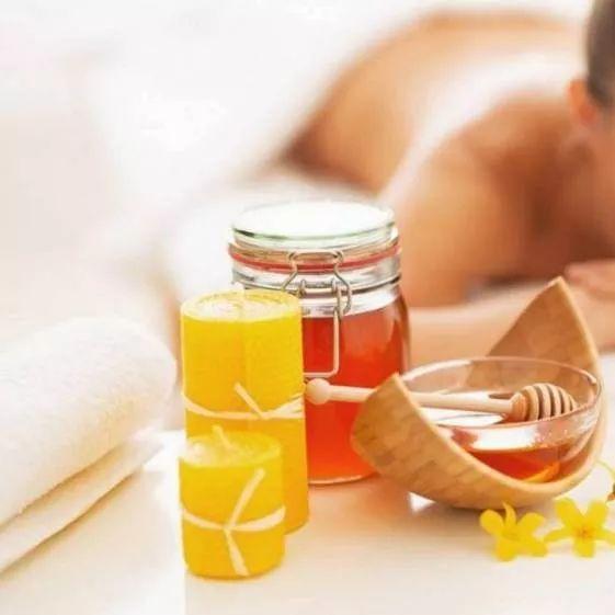 蜂蜜苦瓜汁 发烧蜂蜜水 洋槐蜜和土蜂蜜的区别 蜂蜜姜汤晚上可以喝吗 十五个月的宝宝能喝蜂蜜水吗