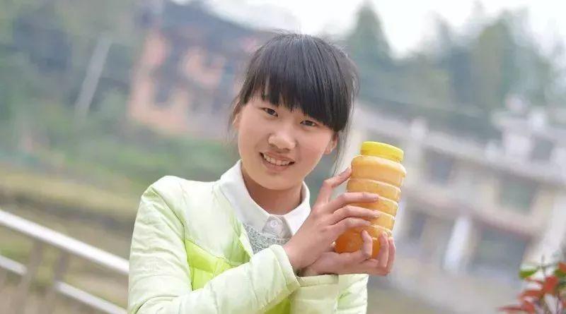 蜂蜜保湿面膜 女人吃什么蜂蜜好 哪种蜂蜜减肥好 蜂蜜和葡萄可以一起吃吗 瑞瓦瑞瓦蜂蜜的功效
