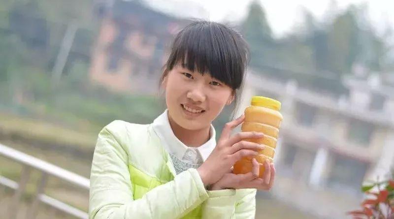 野生固体蜂蜜如何食用 fresh蜂蜜面膜28岁 十大蜂蜜品牌排行榜 怎样鉴别真假蜂蜜 blackmores蜂蜜