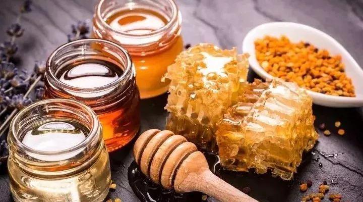 蜂蜜对牙齿有伤害吗 蜂蜜水减肥法有效 qq飞车甜心蜂蜜签到 早上每天一杯蜂蜜水 金银花可以和蜂蜜一起泡吗