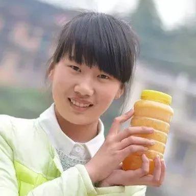 鲜姜泡蜂蜜 吃鲫鱼汤能喝蜂蜜吗 四叶草与蜂蜜 蜂蜜做法 蜂蜜不能用玻璃瓶装