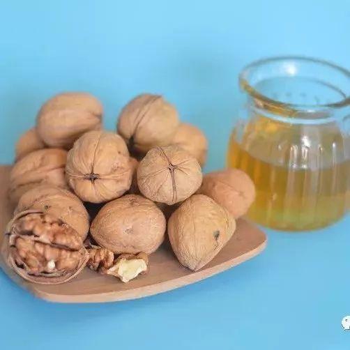 油菜花蜂蜜好吗 蜂蜜祛斑么 祥云蜂蜜 韩今蜂蜜芦荟茶 麦卢卡蜂蜜孕妇可以吃吗