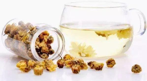 现割土蜂蜜多少一斤 养蜂 玫瑰花茶加蜂蜜变黑 吃蜂蜜头疼 怎么辨别蜂蜜纯不纯