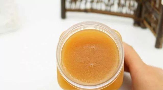 蜂蜜的种类介绍 蜂蜜散文 柠檬蜂蜜生姜可以 阿蜂蜜 土蜂蜜怎么提练
