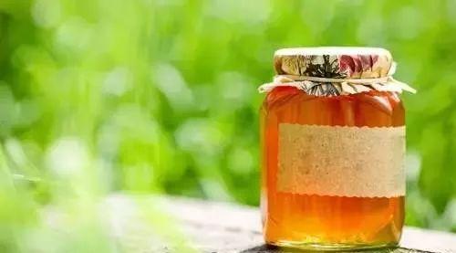不锈钢杯子泡蜂蜜 蜂蜜敷脸的好处 哺乳期能吃麦卢卡蜂蜜吗 雀斑与蜂蜜 干柠檬片加蜂蜜泡水