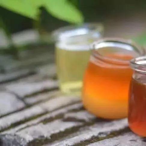 空腹喝蜂蜜水有什么好处 豆角蜂蜜 椴树蜂蜜真假 蜂蜜美容效果 蜂蜜哪个品牌好