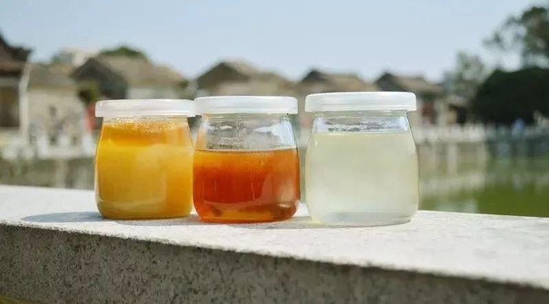 奶酪和蜂蜜可以一起吃 可乐蜂蜜 蜂蜜水湿热吗 纯蜂蜜价格 喂糖的蜂蜜如何辨别