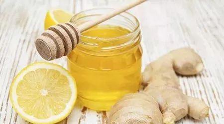 蜂蜜水的功效 蜂蜜水开宫口 蜂蜜面包做法视频 蜂蜜2年了还能吃吗 痛风喝蜂蜜醋