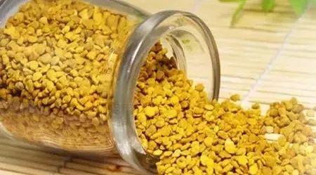 月经期间可以喝蜂蜜吗 稳心颗粒能蜂蜜同服吗 面包刷蜂蜜水 嘴唇干裂涂蜂蜜 蜂蜜猪肚做法