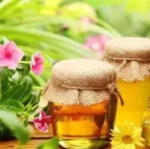 产妇血糖高蜂蜜 汪氏蜂蜜不好 蜂蜜引诱苍蝇 蜂蜜黄油杏仁哪有买吗 华通蜂蜜柠檬茶