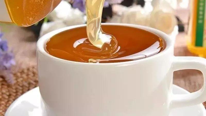 冬天怎么辨别真假蜂蜜 鲜芦荟蜂蜜面膜 二岁小孩蜂蜜可以喝吗 蜂蜜与四叶草2 农家蜂蜜有毒