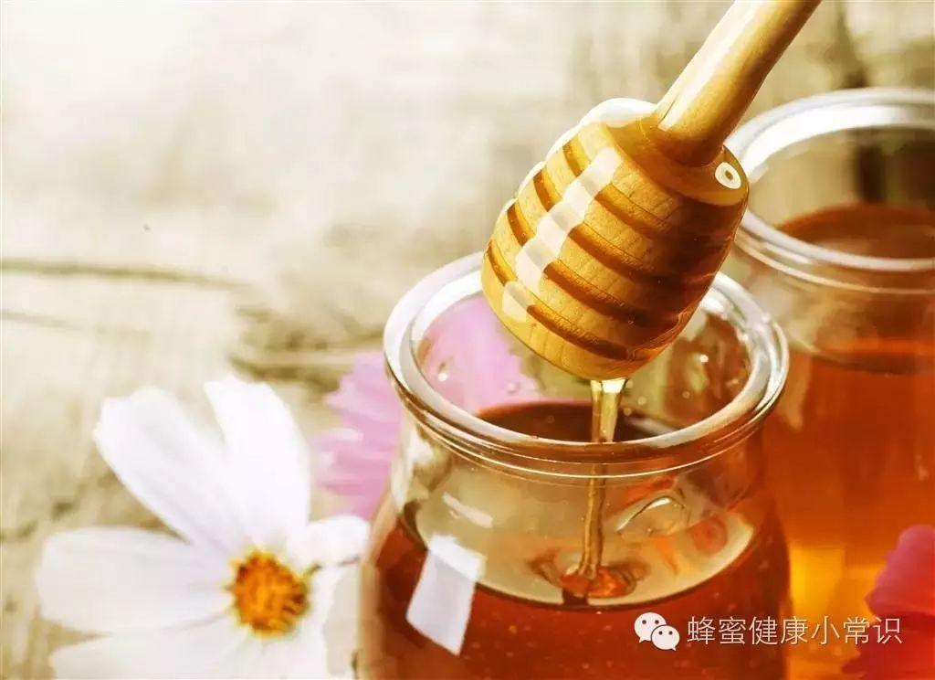 蜂蜜番茄珍珠粉面膜 蜂蜜杏肉 蜂蜜白醋减肥法比例 斯兰扎克甘草蜂蜜 首乌