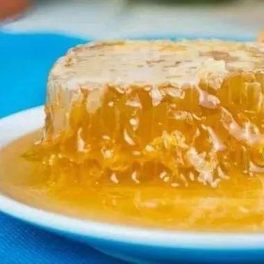 胡萝卜与蜂蜜 柠檬蜂蜜水的饮用时间 怎么摇蜂蜜 蜂蜜检验 陈皮可以香蕉蜂蜜一起炸着喝吗
