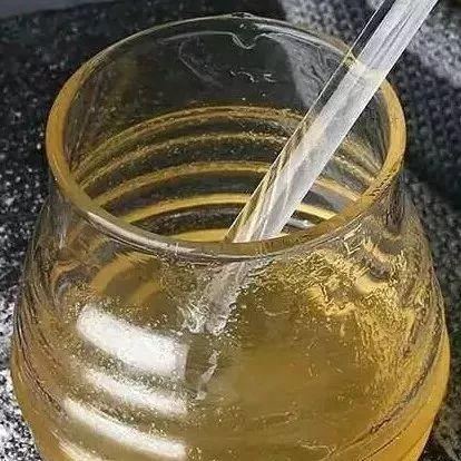 蜂蜜加工技术 如何鉴别蜂蜜的纯度 蜂蜜檬水怎么做 哪里可以买到真的蜂蜜 义乌市玻璃蜂蜜包装瓶