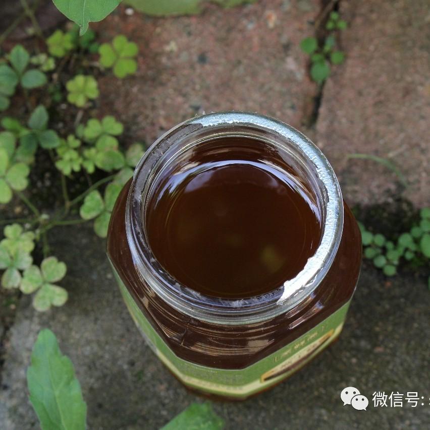 蜂蜜水的作用与功效 欧舒丹乳木果蜂蜜香皂 蜂蜜市场价多少钱一斤 生姜沏蜂蜜水喝可以治疗牛皮癣吗 荔枝蜂蜜价格
