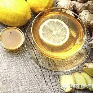 蜂蜜在烧烤中怎么使用 外蜂蜜 国外什么牌子的蜂蜜好 蜂蜜是常温保存吗 1岁喝蜂蜜吗