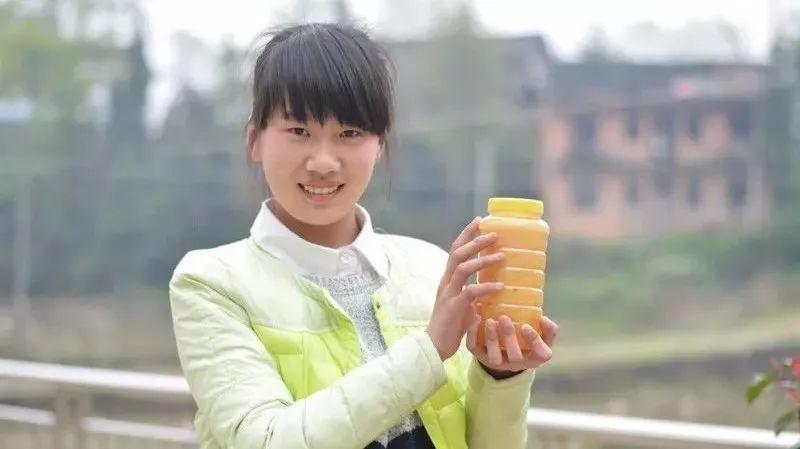 蜂蜜与芒果 冬季与蜂蜜 蜂蜜可以和红薯混吃吗 小孩吃蜂蜜的好处 蜂蜜腌柠檬几天才能喝