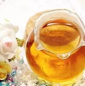 蜂蜜深 买到真蜂蜜 牛奶能放蜂蜜吗 蜂蜜报纸 枸杞泡水加蜂蜜