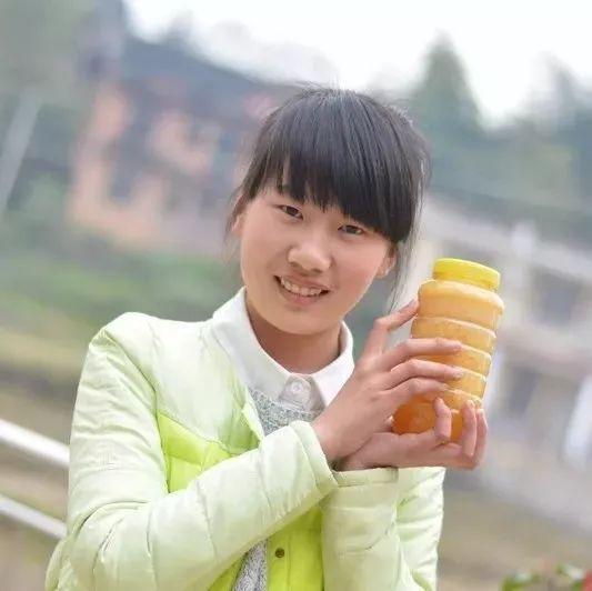 长期喝蜂蜜的坏处 小狗蜂蜜 白萝卜炖蜂蜜 买的蜂蜜柚子茶里面有一层白色的东西 空腹喝蜂蜜柚子茶吗