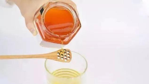 麦卢卡蜂蜜食用方法 柠檬蜂蜜水月经 赛润蜂蜜 阿胶和蜂蜜可以一起吃吗 蜂蜜的黏度