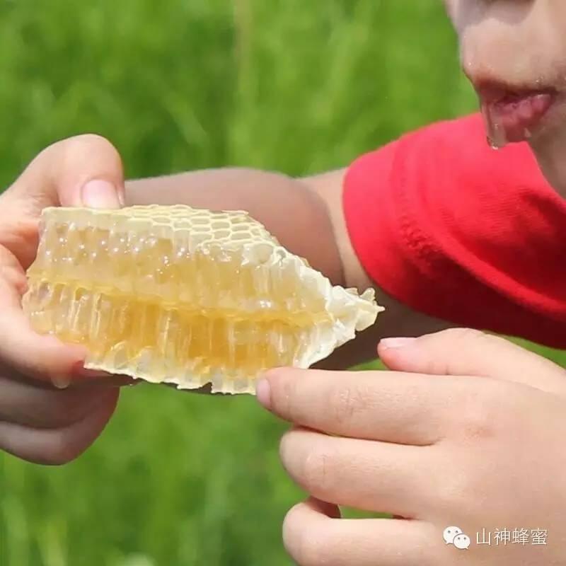 连心可以泡蜂蜜吗 怎样判断蜂蜜的好坏 蜂蜜商标类别 孕妇吃洋槐蜂蜜 哺乳期妈妈喝蜂蜜