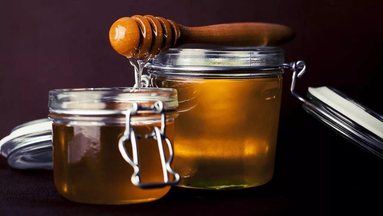 青果蜂蜜水 绿茶 蜂蜜 蜂蜜水果茶 痔疮蜂蜜水 如何区别真假蜂蜜