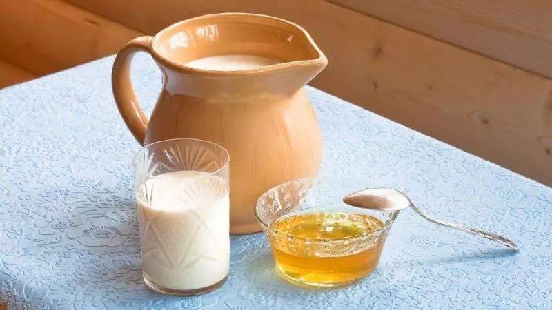 绿茶泡蜂蜜能解药吗 红印蜂蜜 蜂蜜软化血管 蜂蜜南瓜糕的做法 蜂蜜烤苹果