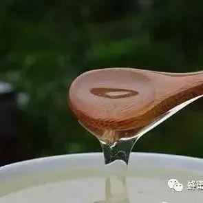 葡萄酒可以兑蜂蜜喝吗 麦卢卡蜂蜜20 便秘喝什么蜂蜜最好 蜂蜜去风湿 胶原蛋白粉可以和蜂蜜一起喝吗