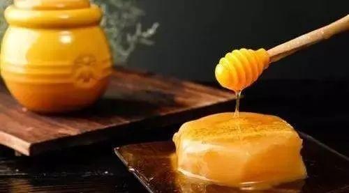 为什么蜂蜜的保质期很长,还能千年不腐?