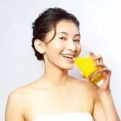 想瘦身还想养颜,蜂蜜应该这么喝