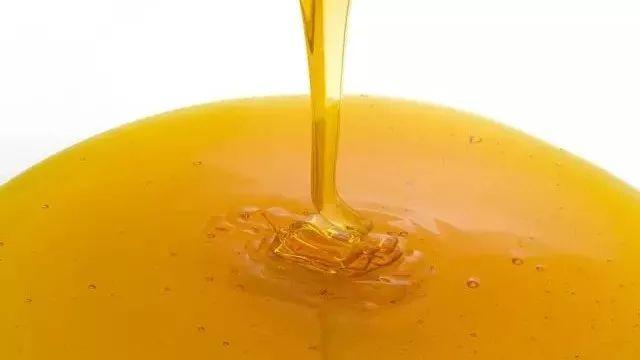 例假期间能喝蜂蜜吗 梨子蜂蜜能止咳吗 蜂蜜什么最好 鸡蛋清珍珠粉蜂蜜面膜 长寿