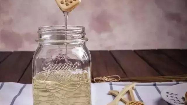 蜂蜜解油腻吗 小型蜂蜜浓缩机 东北蜂蜜好吗 蜂蜜里面有激素吗 蜂蜜可以长期服用吗