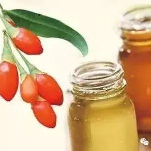 北京蜂蜜南瓜蛋糕 用榄槛油鸡蛋蜂蜜怎样护理头发 蜂蜜鸡脚怎么做 丰野土蜂蜜 养颜喝什么蜂蜜好