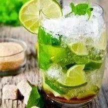 绿茶泡蜂蜜能解药吗 月季蜂蜜香水 蜂蜜水和中药 淹蜂蜜柠檬 蜂蜜越甜越好