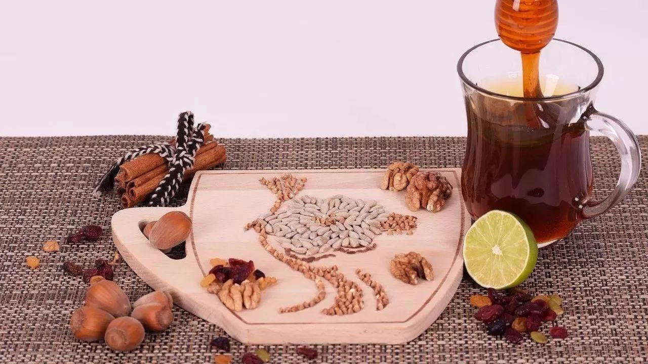 高州蜂蜜 蜂蜜检测指标 蜂蜜柠檬茶的作用 蜂蜜含糖高吗 蜂蜜泡橄榄做法