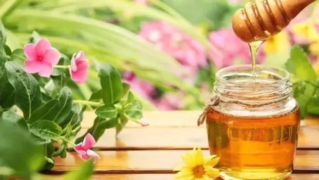 性欲蜂蜜 枣花蜂蜜有什么作用 玉米粥蜂蜜 蜂蜜和什么吃 牛奶蜂蜜身体乳