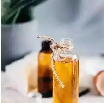 中蜂蜂蜜价格 苕花蜂蜜 怎样选蜂蜜 女人蜂蜜水的功效 甘草片和蜂蜜
