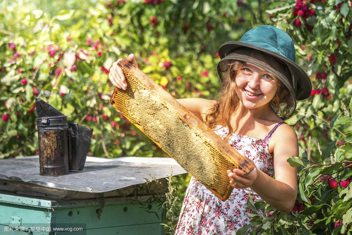 椴树蜂蜜孕妇能喝吗 alnatura蜂蜜 百香果蜂蜜功效 蜂蜜洗脸的好处 白萝卜蜂蜜汁